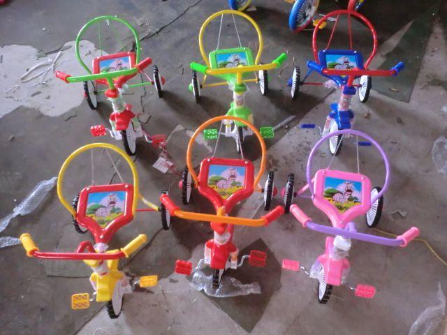 Велосипед 3-х колесный.ВНИМАНИЕ( ОДИН ЦВЕТ) в верху с слева.(красный с зеленым) Велосипеды разобранные. 8 штук — по 760 руб.(9050972) Цена указана за 8 штук.