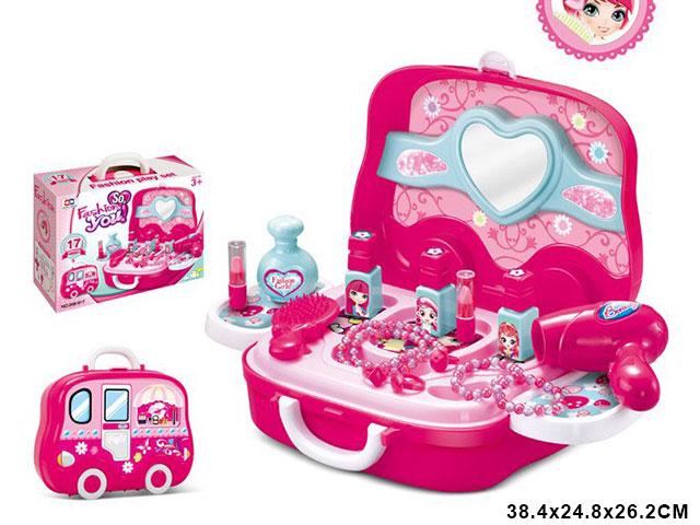 **Набор для девочек»МОДНИЦА»(Д917) в чемоданчике.