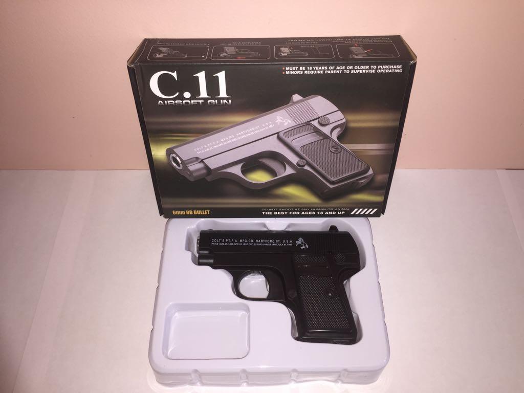 Детский металлический пистолет,с пружинным механизмом,стреляет пласт.шариками.(С.11) Размер упак.12,5см*16,5см*4см.