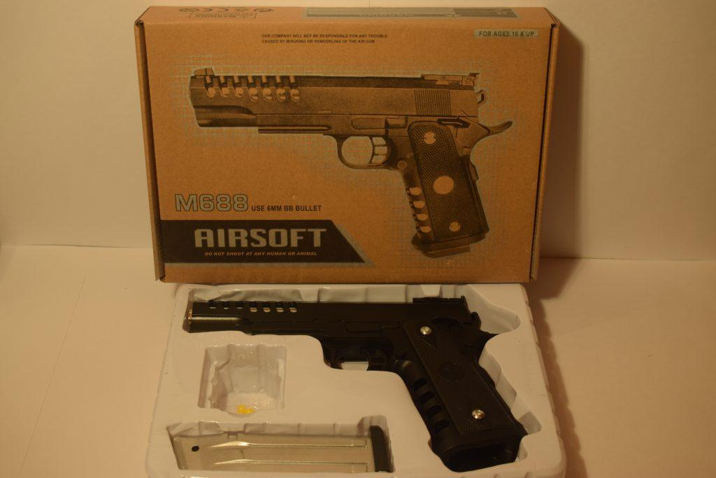 Игрушечный пистолет.(металл+пластик) (М688) Размер упак.26*18см.